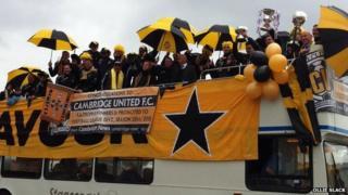 Cambridge United open-top bus tour