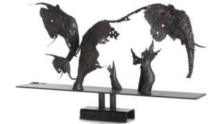 Pascal Chesneau's Transparence Elephant