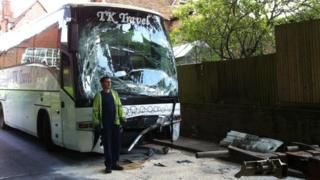 Coach crash in Bradfield