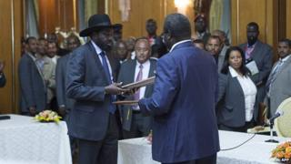South Sudan government and rebels 'agree to end fighting'