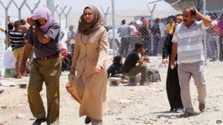 Iraq crisis: Islamists force 500,000 to flee Mosul