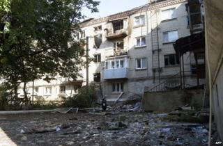 Ukraine crisis: Death toll in east 'at least 270'