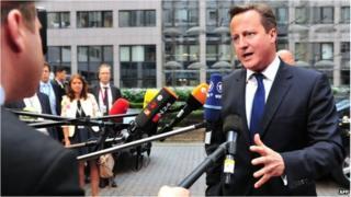 Setback for Cameron as EU party blocs back Juncker