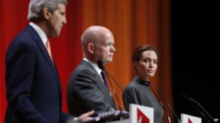 (l-r) US Secretary of State John Kerry, British Foreign Secretary William Hague and US actress Angelina Jolie at a joint news conference at the end of the 'End Sexual Violence in Conflict' summit in London, on 13 June 2014