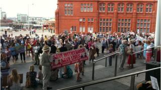 Protest Llwyn helyg