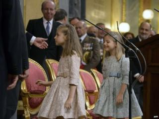 King Felipe VI calls for 'new Spain' as he is sworn in