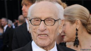 Eli Wallach at 2011 Oscars ceremony in Hollywood, 27 February 2011