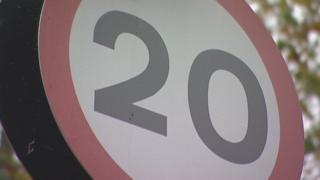 Arwydd 20mya