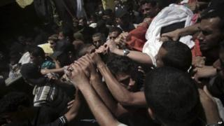 Israel hit by Hamas rocket salvo