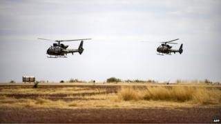 French helicopters flying near Timbuktu (file photo 2013)