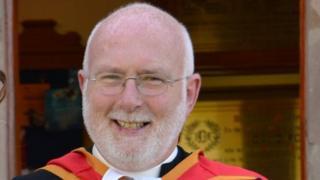 Rev Dr Stewart Jones