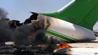 Libya militias in renewed battle for airport