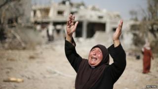 Gaza militants 'seize Israeli soldier' as ceasefire ends
