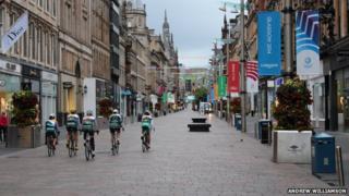 Cyclists in Buchanan Street