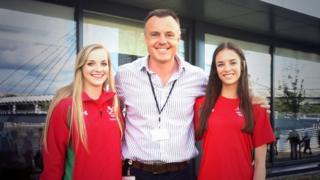 Ashleigh Crowter with rhythmic gymnastics medallists Nikara Jenkins (left) and Laura Halford (right)