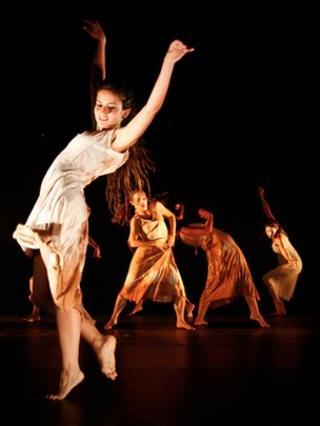 Pola Dance Company's La Karina