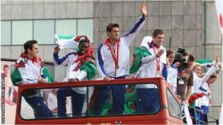 Cymry llwyddianus yn y gemau Olympaidd ar daith yng Nghaerdydd yn 2012