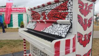Piano'r Scarlets