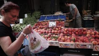 Peaches on sale in Greece - file pic