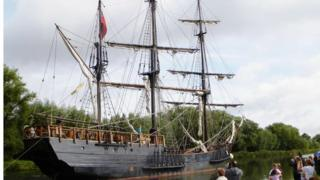 The 'Wonder' on the Gloucester and Sharpness Canal