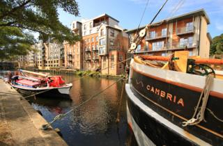 The Albion and the Cambria on Norwich's riverside