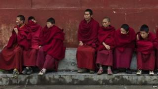Tibetan monks in Shanba town in Sichuan province on 20 October 2011