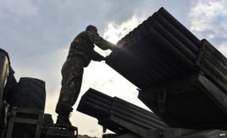 Ukrainian soldier with a Grad rocket launcher (18 August)