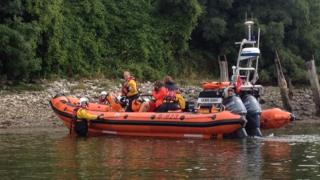 Lifeboat island rescue