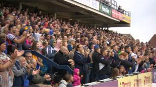 Leeds Rhinos fans