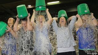 People in Melbourne take the ice bucket challenge