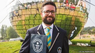 Mark McKinley of Guinness World Record
