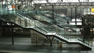 Escalators and steps at Leeds station