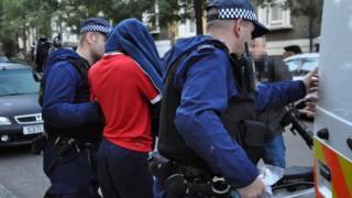 Arrest of a suspect in Tottenham