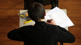 Top GCSE grade to be given to just 3% in English and maths