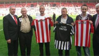 (L - R) Kevin Ball, David Sweeney, Barry Sweeny, Gary Ferguson, a relative of John alder and Jimmy Montgomery
