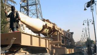 IS fighter in Raqqa with a missile 19 November 2012
