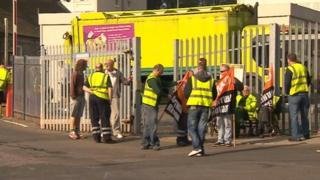 Binmen on strike