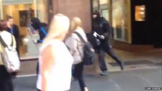 Raiders flee Argyll Arcade