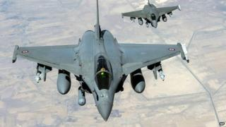 Two French Rafale jet fighters flying over Iraq - 19 September 2014