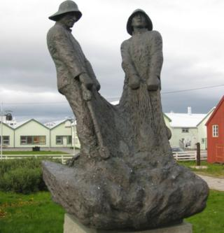 Monument to the fishermen in Vardoe