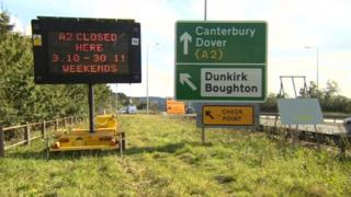 Signs for A2 closure