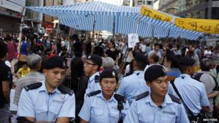 Hong Kong protests: Civil servants work as numbers drop