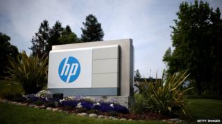Strong dollar hurts HP's full-year earnings forecast