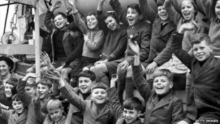 Children sailing to Australia 1948