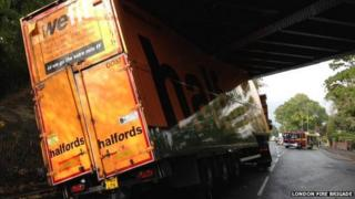 Halfords lorry