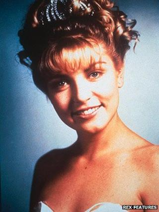 Sheryl Lee as Laura Palmer in Twin Peaks
