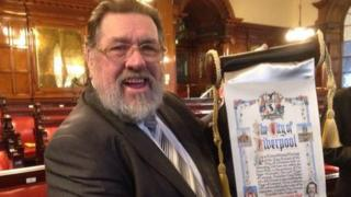 Ricky Tomlinson gets the Freedom of The City at Liverpool Town Hall