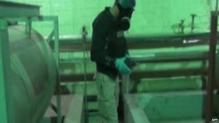 UN inspector at a Syrian chemical weapons facility on 8 October 2013
