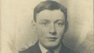 Arthur Edwards, Tyddyn'ronnen