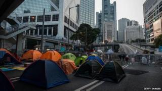 Protesters' tents block a key thoroughfare in Admiralty district, 12 Oct